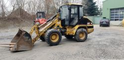 Caterpillar 908 Radlader